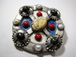 Medievale brooch by Azach