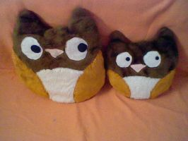 Owl pillows by Misswd