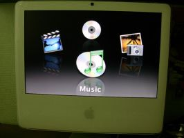 """iMac 17"""" with Front Row by vinciART"""