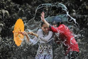 Splashing Fun - 41 by SAMLIM