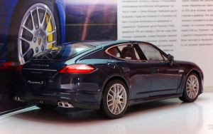 Panamera back by 5-G
