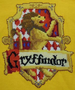 Gryffindor Crest Cross Stitch by rhaben