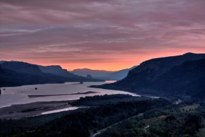Columbia River Gorge sunrise 2 by sivousplay