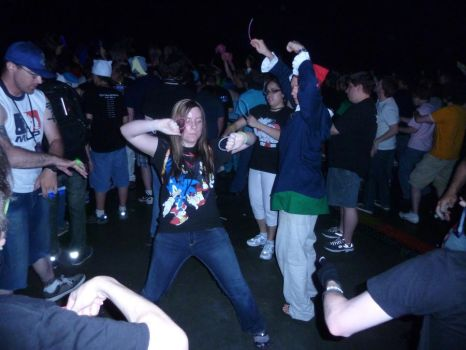 BronyCon 2012 - Getting down at Bronypalooza! by Cuteboom