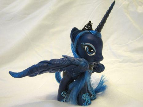Luna Custom by EllisArts