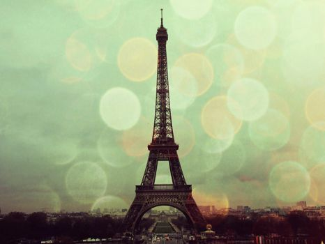 Tour Eiffel by Ranessa