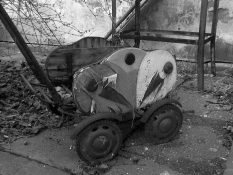 Old pram by DiViART