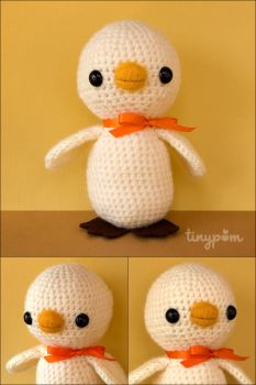Chester the Amigurumi Chick by tinypom