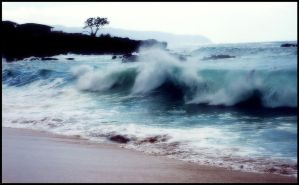 The Waves Come Crashing In by lonelymiracles