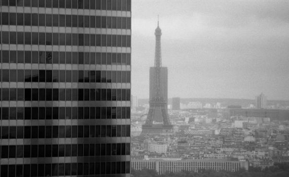 View to the Eiffel Tower by dominik86