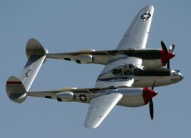 Lockheed P-38L Lightning Flyby by shelbs2