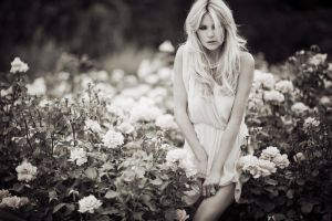 I never promised a rose garden by sarahlouisejohnson