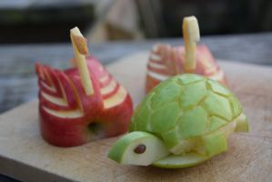 Apple swans and turtle by fera4462