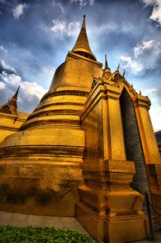 HDR: Grand Palace by lookfook