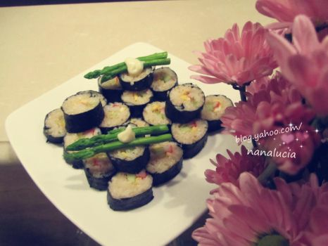 Home-made sushi by HuouCaoCo